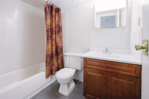 Double--Upgrade-Bathroom